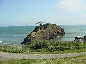 Port Orford, Oregon - Battle Rock