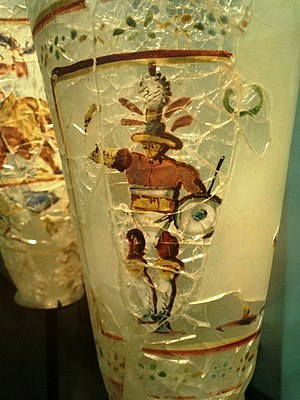 Hoplomachus - Hoplomachus, depicted on a Roman glass found in the Begram treasure.