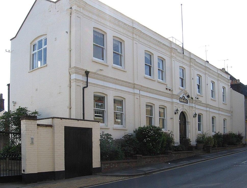 Berkhamsted - Cooper House on Ravens Lane (geograph 3148021)