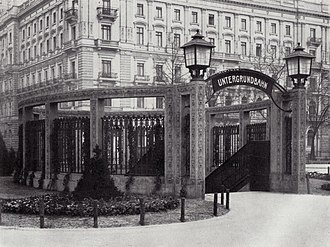 Mohrenstraße (Berlin U-Bahn) - U-Bahn entrance and Kaiserhof hotel, about 1908