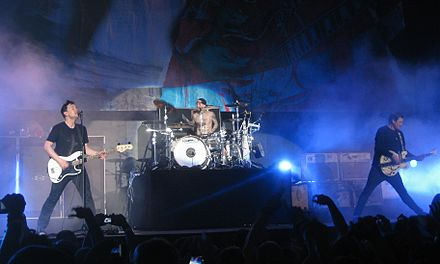 Blink-182 performing in 2011 Blink-182 2011-12-11 10.jpg