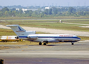 Piedmont Airlines (1948–89) - Piedmont Airlines Boeing 727-100 departing from Chicago O'Hare Airport in 1979.