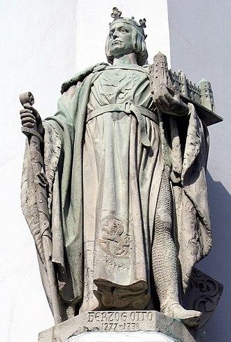 Duchy of Brunswick-Lüneburg - Image: Bomann Museum Skulptur Otto II. der Strenge, Herzog zu Braunschweig und Lüneburg, Duke of Brunswick Lüneburg 1277 1330, mit von der Schmalstieg Gmb H restauriertem Schloss Celle