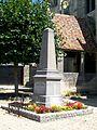 Boran-sur-Oise (60), monument aux morts, face à l'église.jpg