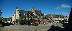 Locronan - The church square