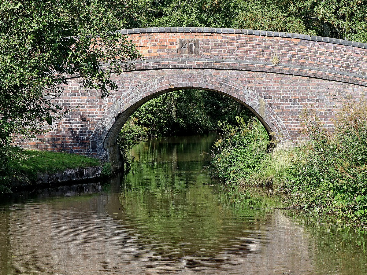 Bridge No. 47, Caldon Canal.jpg