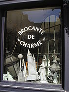 Brocante-Schaufenster in Troyes