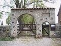 Buchholz Tor zur Kirche.jpg