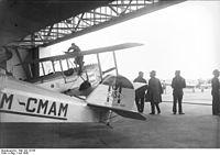Bundesarchiv Bild 102-10155, Berlin, Internationale Europa-Rundflug.jpg