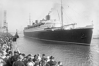 """SS Bremen (1928) - Image: Bundesarchiv Bild 102 11081, Schnelldamper """"Bremen"""""""