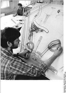 3b52373751 Entwurf eines Bürostuhls am Zeichenbrett (1987)