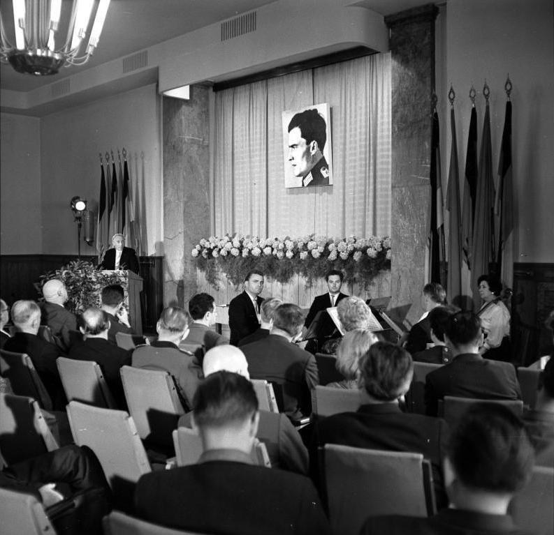 Bundesarchiv Bild 183-C0720-0024-001, Berlin, Gedenkveranstaltung zum Attentat auf Hitler