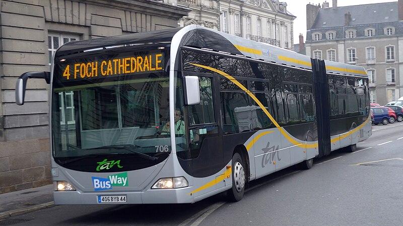 File:Busway, TAN (NANTES,FR44).jpg