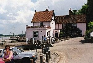 Pin Mill - Butt and Oyster Inn, 2001
