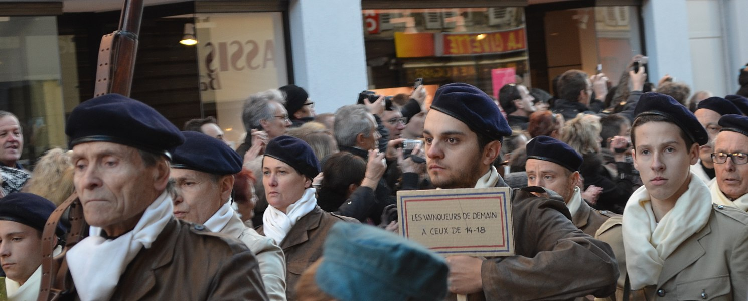 Cérémonie du 70e anniversaire du défilé du 11 novembre 1943 à Oyonnax, le 11 novembre 2013.