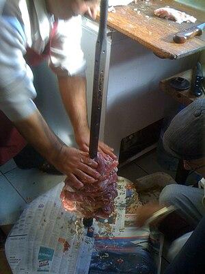 Cağ kebabı - Image: Cağkebabı1