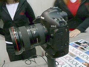 Canon EOS-1Ds Mark III - Canon EOS 1Ds Mark III with 16-35mm II lens