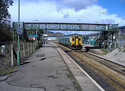 Cardiff train departs from Taff's Well - geograph.org.uk - 371339.jpg