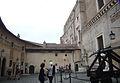 Castello - cortile di Alessandro VI e porticina alle prigioni P1270281.JPG