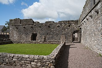 Castlelyons Friary - Image: Castlelyons Friary Cloister 2015 08 27