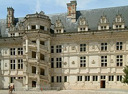 250px Ch%C3%A2teau de Blois 05 Châteaux de Blois