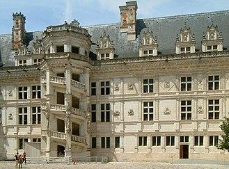Châteaux of the Loire Valley - Image: Château de Blois 05