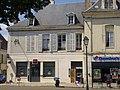 Châteaudun - place du 18-Octobre (04).jpg