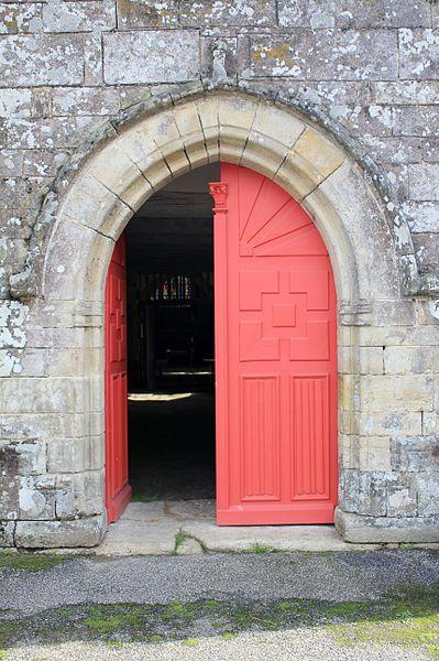 Chapelle Saint-Gobrien de Saint-Servant: porte ouest