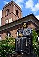 Chelsea Old Church Thomas More statue (14239821430).jpg