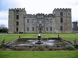 Chillingham Castle - geograph.org.uk - 1282710.jpg