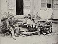 Chinesischer Photograph um 1875 - Chinesische Familie (2) (Zeno Fotografie).jpg