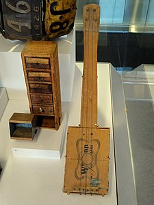 Cigar box fiddle - Museum of International Folk Art - DSC09182.JPG