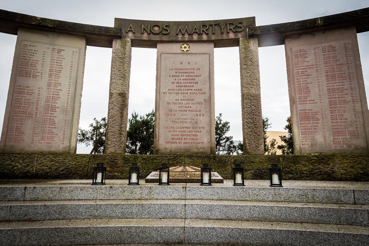 Cimetière israélite de Cronenbourg mémorial Shoah 27 janvier 2015-2.jpg