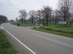 Padhuis - Entering Padhuis (Plaatsnaambord aan de Europaweg)