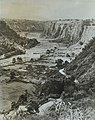 Collectie NMvWereldculturen, TM-30019985, Foto- 'Zicht op de Karbouw vallei bij Bukittinggi', fotograaf onbekend, 1944-1945.jpg