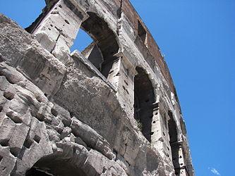 Colosseum (Rome) 2.jpg