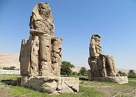 Colossi of Memnon 0075 e1.jpg