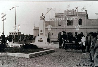 Comodoro Rivadavia Railway - May Revolution celebrations in Comodoro station, 25 May 1931.