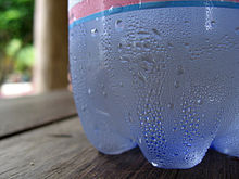 http://upload.wikimedia.org/wikipedia/commons/thumb/d/d8/Condensation_on_water_bottle.jpg/220px-Condensation_on_water_bottle.jpg