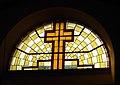 Costasavina, chiesa di San Martino, vetrata frontale.jpg