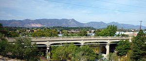 Cottonwood Creek Bridge - Image: Cottonwood Creek Bridge on Vincent Drive