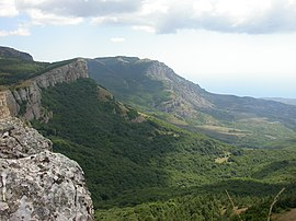 Crimea.Yayla.Cliff-2.jpg