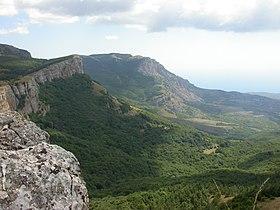 Crimea.Yayla.Cliff-2