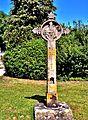 Croix ancienne devant le cimetière. (2).jpg