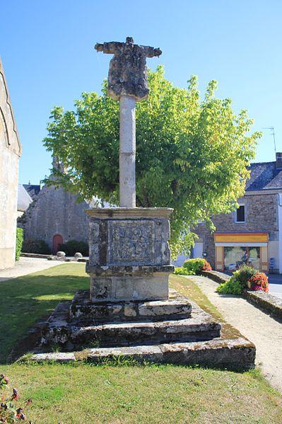 Croix de cimetière de Saint-Thuriau (Plumergat)