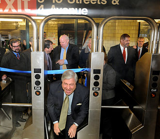 Marty Markowitz - Markowitz at the opening of a New York City Subway entrance