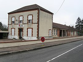 The town hall in Dammarie-sur-Loing