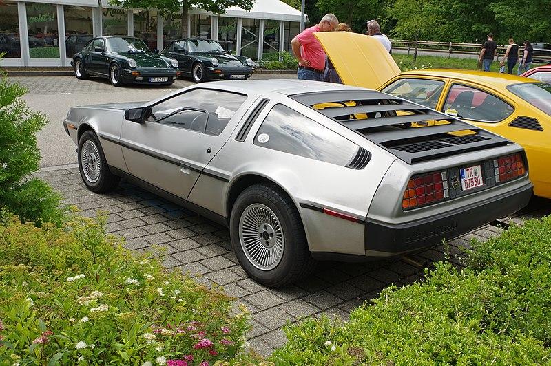 File:DeLorean DMC-12 BW 2017-07-16 15-10-09.jpg