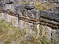 Detal i murit të Kishës në Kmetoc.JPG