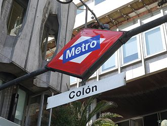 Colón (Madrid Metro) - Image: Detalle cartel Metro Colón Madrid